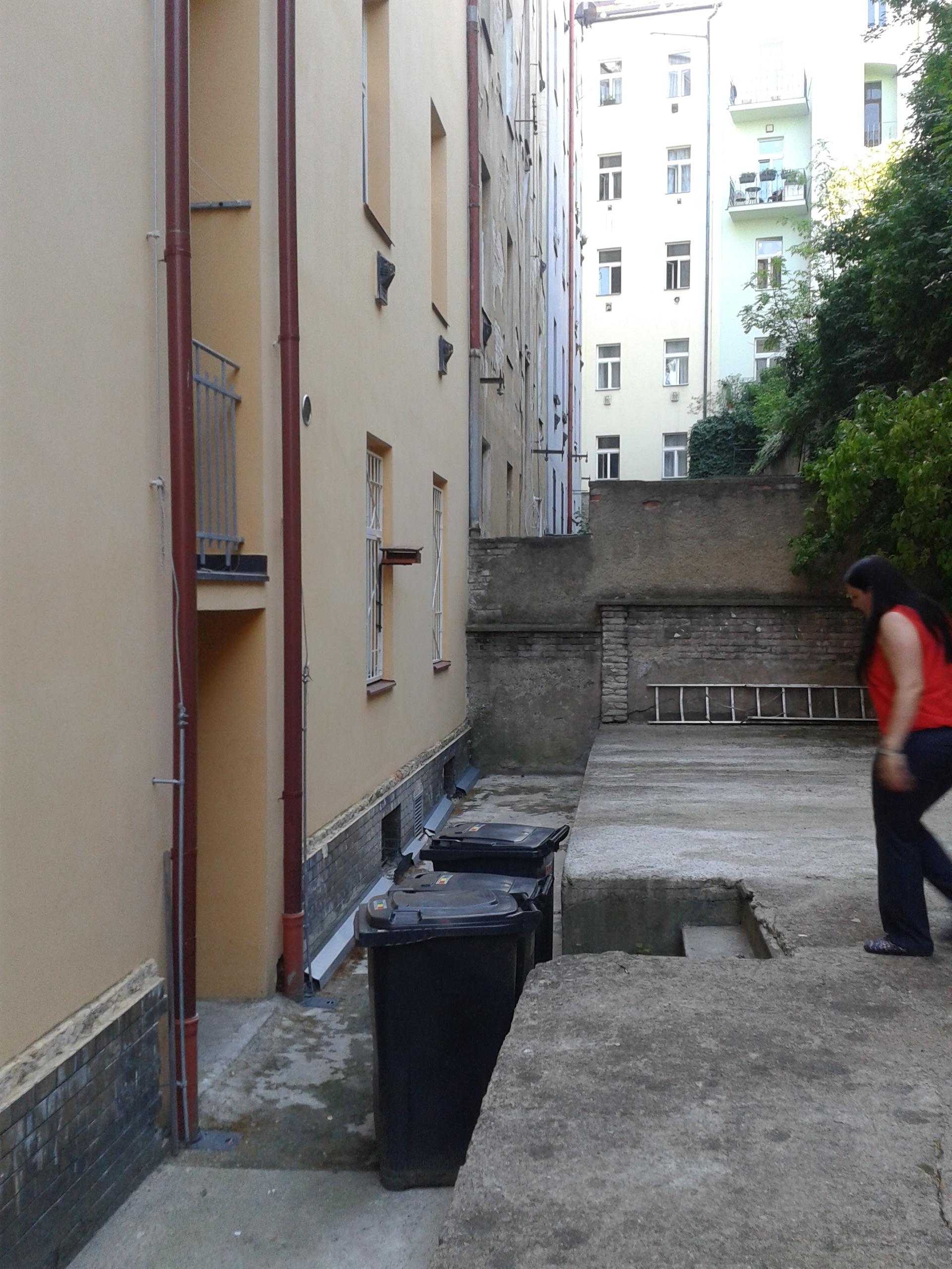 למכירה דירת 3 חדרים מודרנית בפראג (14)