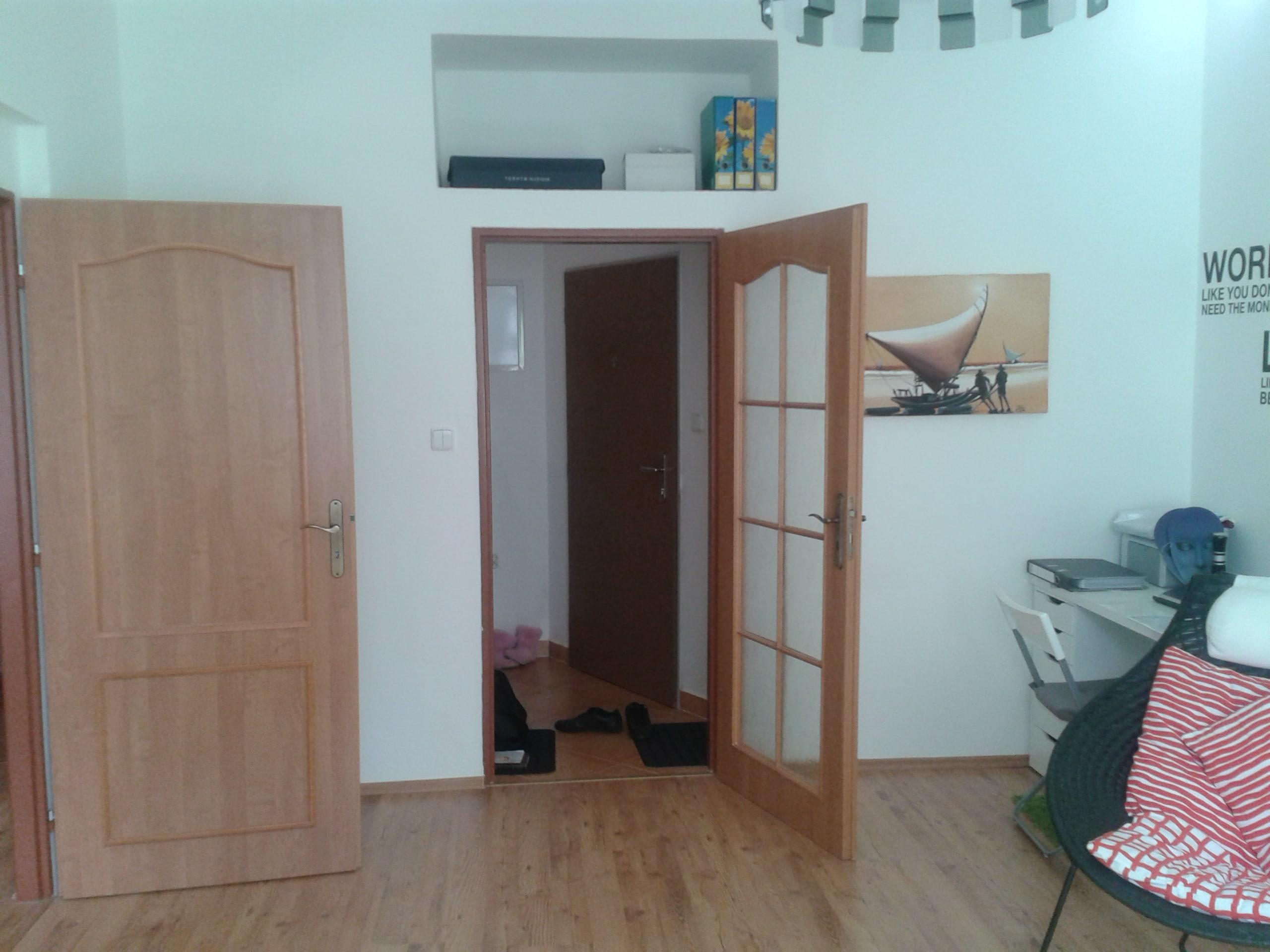 למכירה דירת 3 חדרים מודרנית בפראג (18)