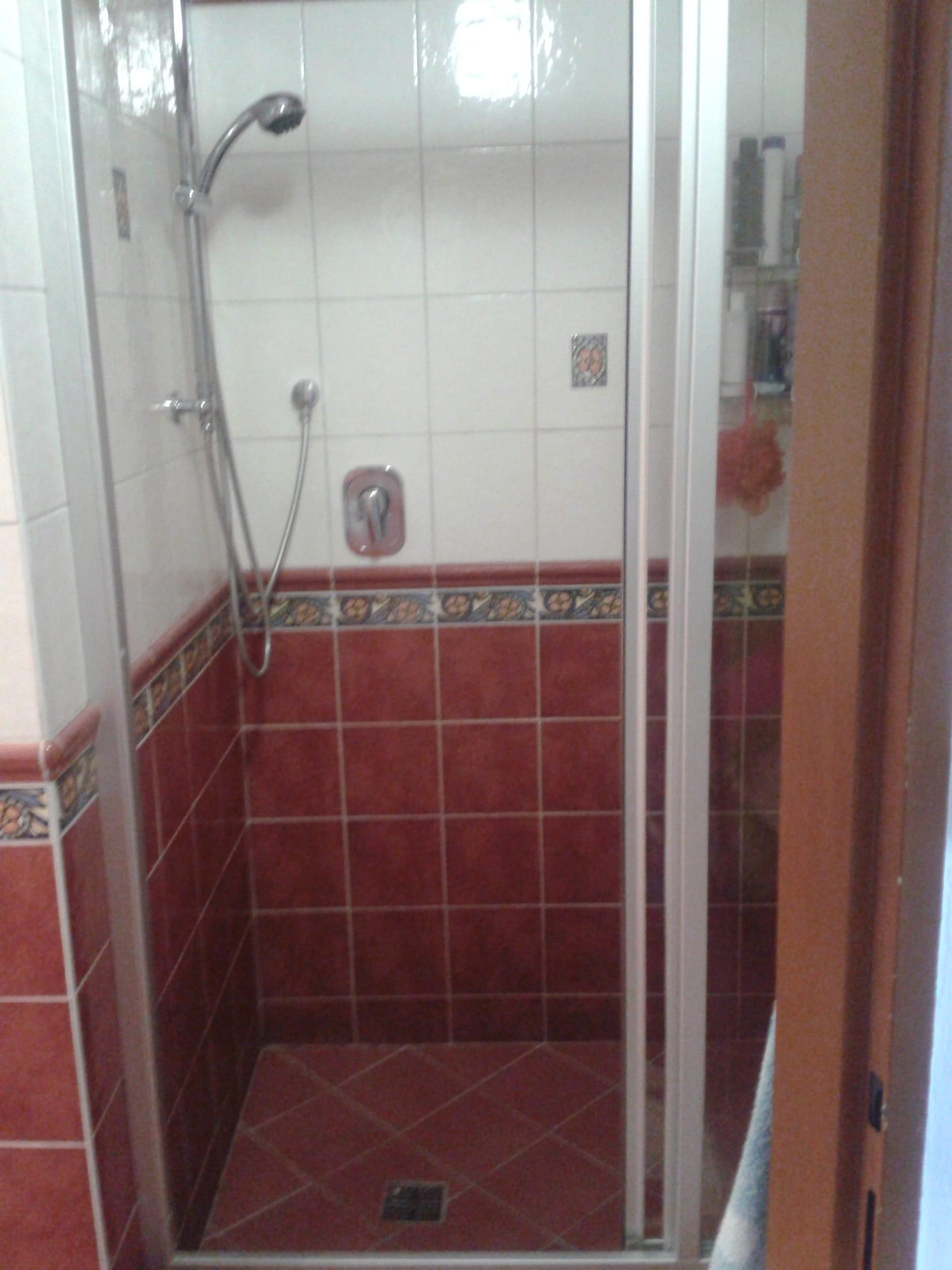 למכירה דירת 3 חדרים מודרנית בפראג (2)