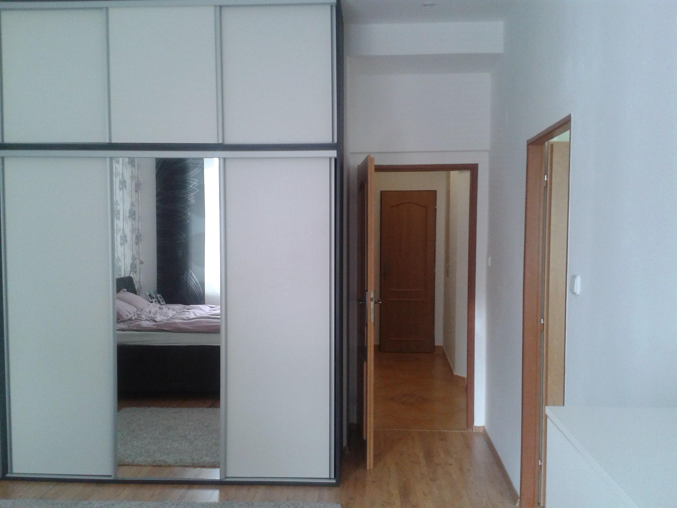 למכירה דירת 3 חדרים מודרנית בפראג (20)