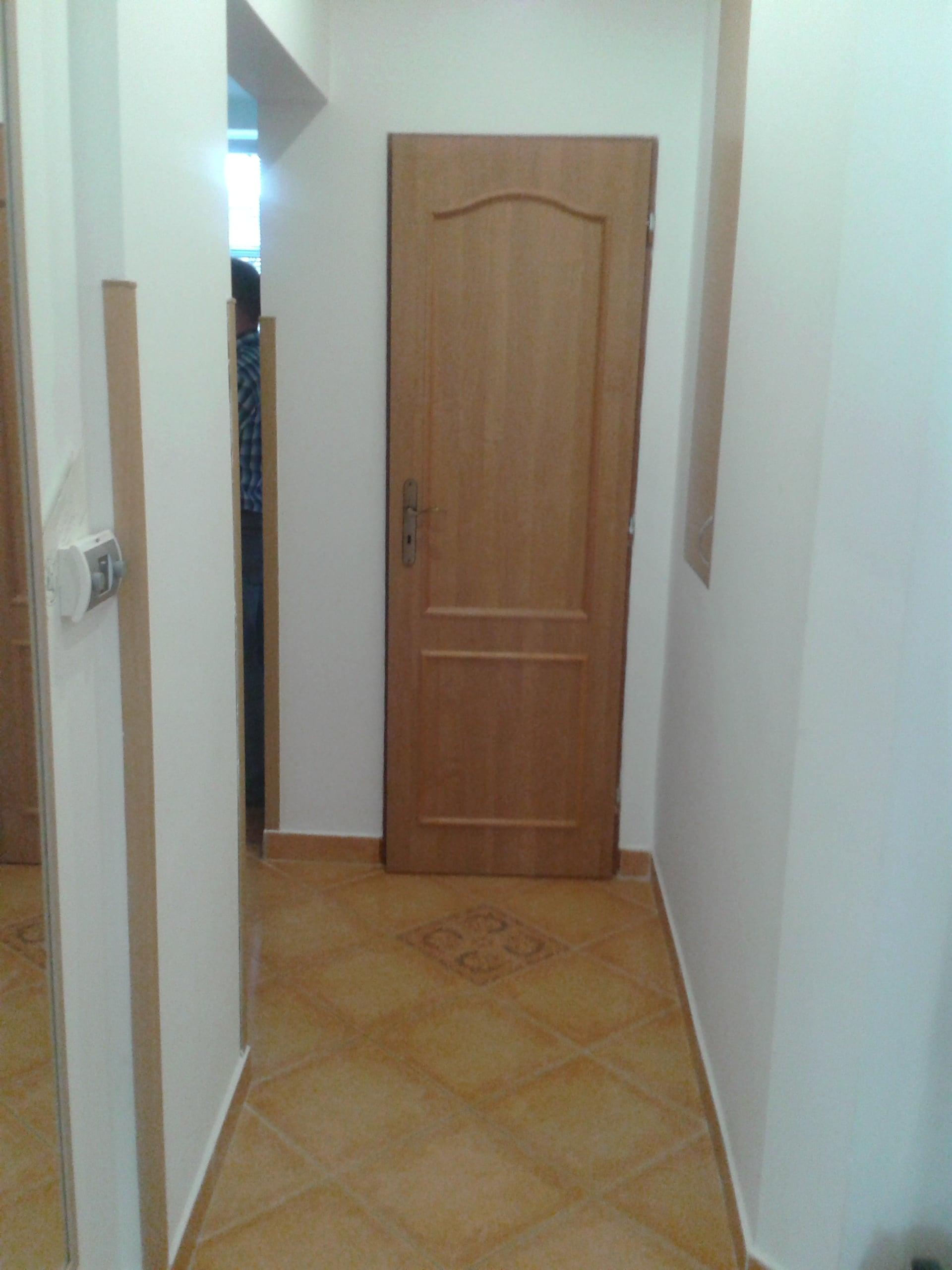 למכירה דירת 3 חדרים מודרנית בפראג (21)