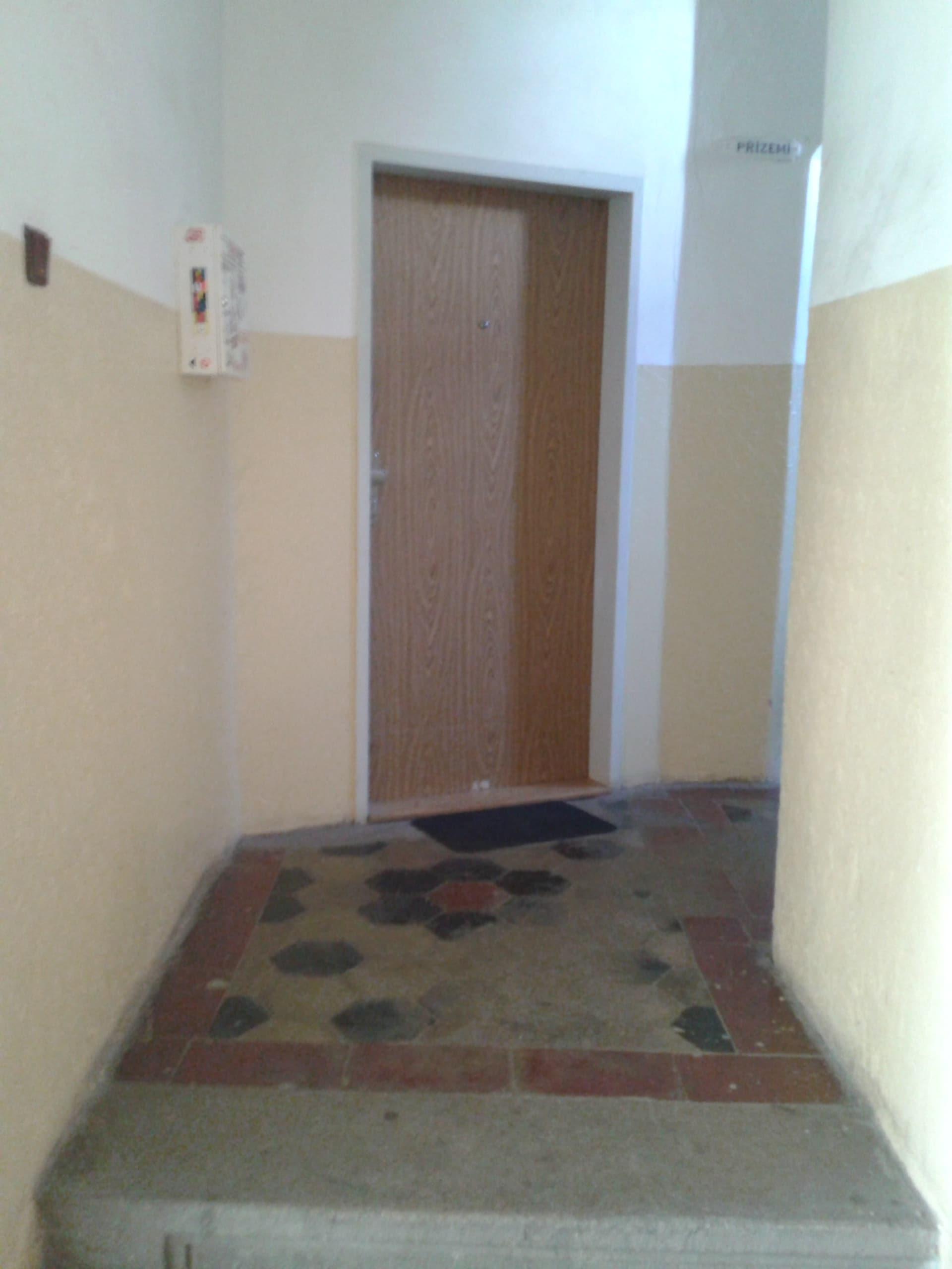 למכירה דירת 3 חדרים מודרנית בפראג (7)