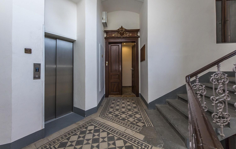 למכירה דירת 3+kk יפהפיה בפראג 1 העיר החדשה (11)