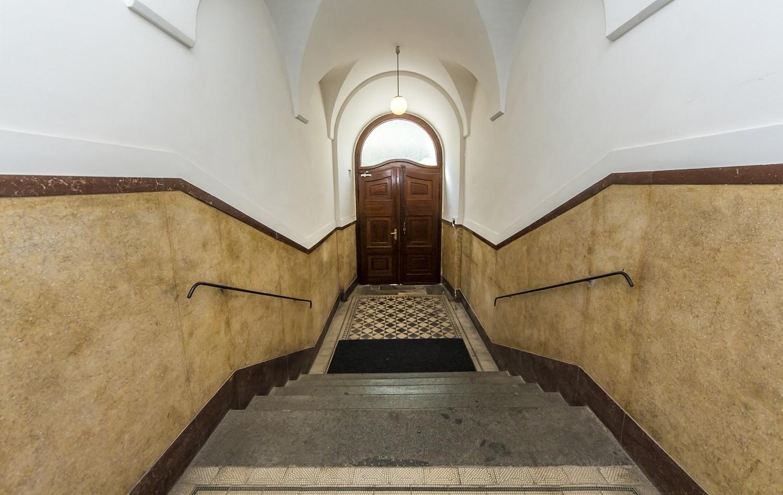 למכירה דירת 3+kk יפהפיה בפראג 1 העיר החדשה (14)