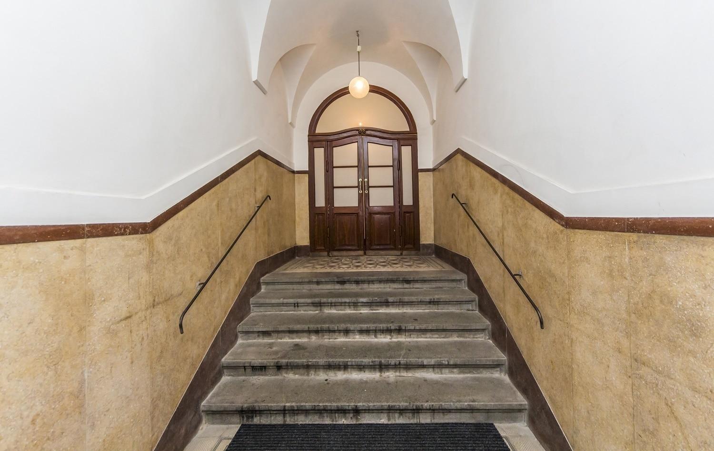 למכירה דירת 3+kk יפהפיה בפראג 1 העיר החדשה (15)