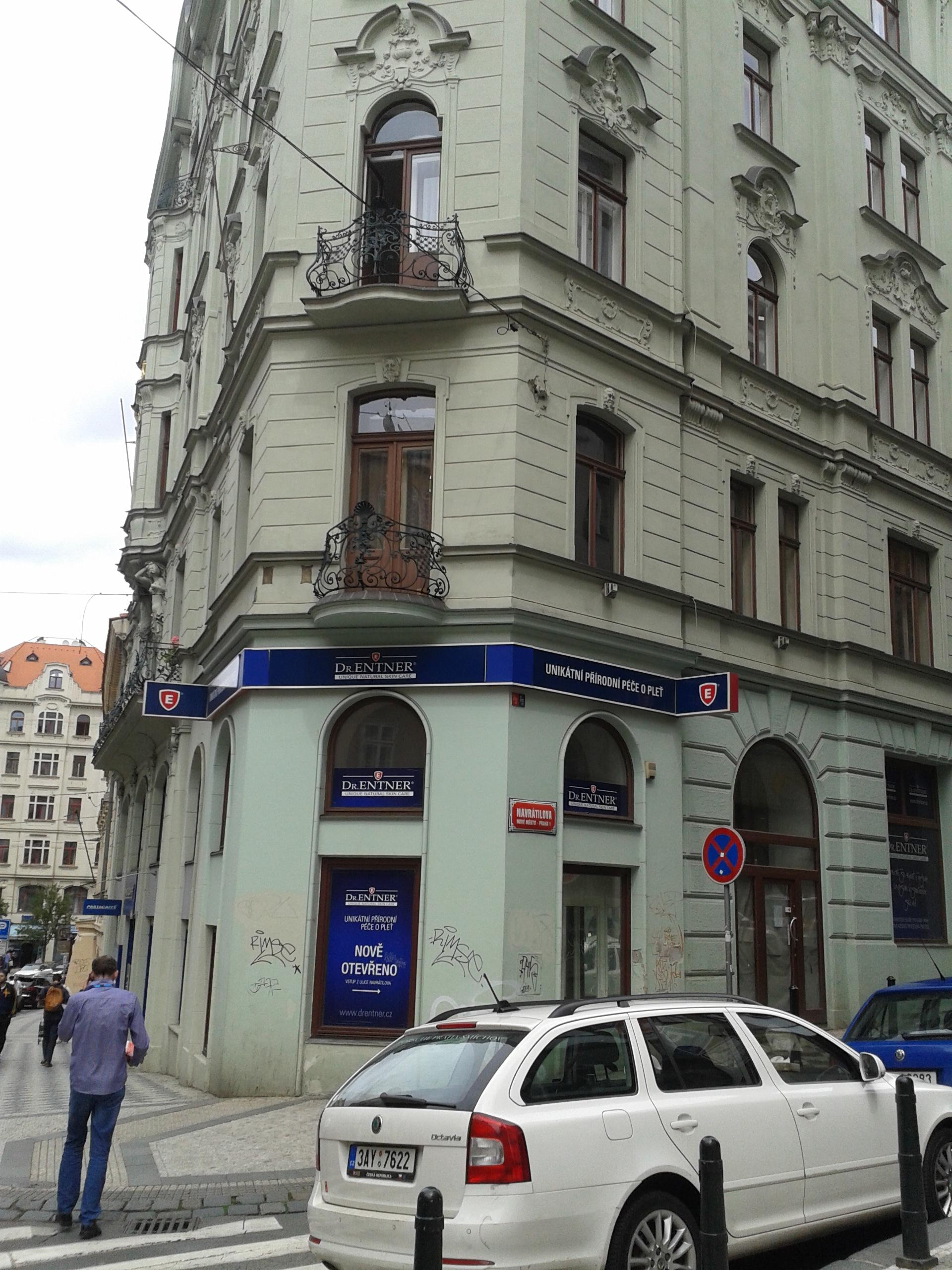 למכירה דירת 3+kk יפהפיה בפראג 1 העיר החדשה (29)