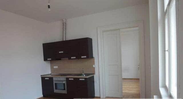 למכירה דירת 45 מר משופצת בפראג 1 2+KK (1)