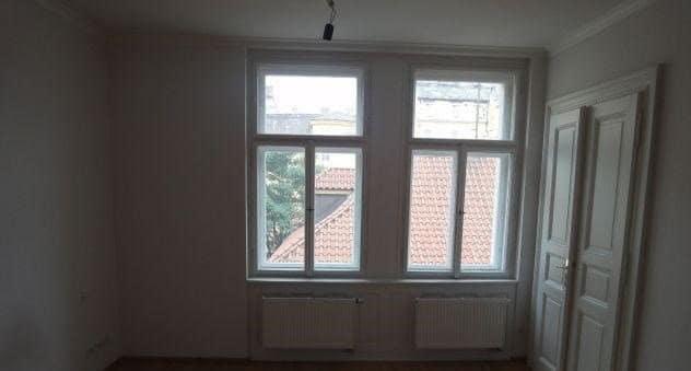 למכירה דירת 45 מר משופצת בפראג 1 2+KK (3)