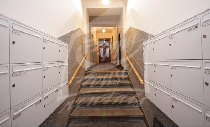 למכירה בפראג 1 דירת 2+1 בגודל 64 מר (10)