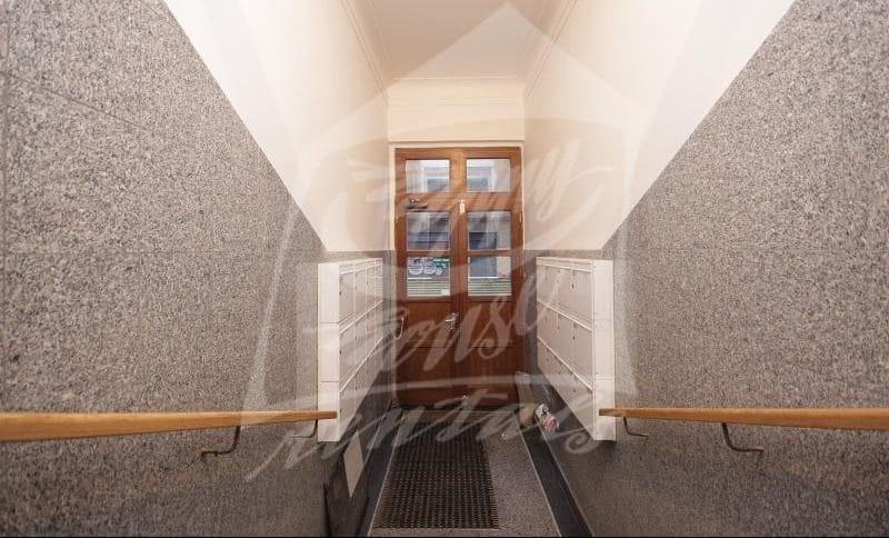 למכירה בפראג 1 דירת 2+1 בגודל 64 מר (4)