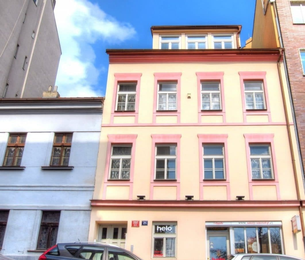 בנין למכירה בפראג 20 על 350 מר (1)