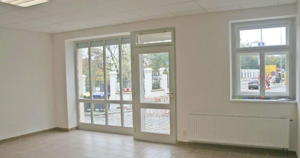 בנין למכירה בפראג 20 על 350 מר (2)