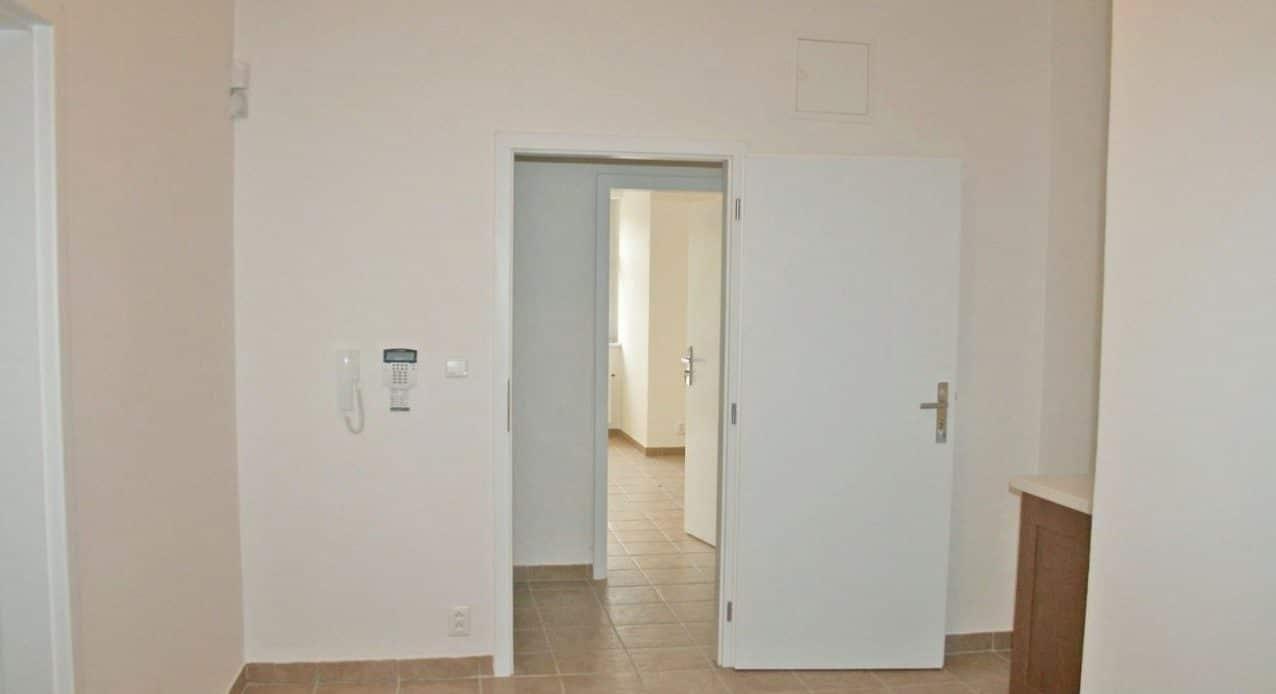 בנין למכירה בפראג 20 על 350 מר (5)