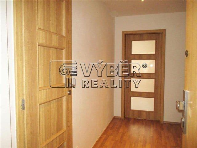 למכירה דירת 2 חדרים בפראג 9 שכונת ויסוצ'אני (2)