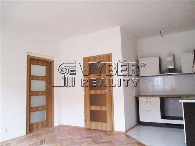 למכירה דירת 2 חדרים בפראג 9 שכונת ויסוצ'אני (6)