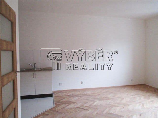 למכירה דירת 2 חדרים בפראג 9 שכונת ויסוצ'אני (8)