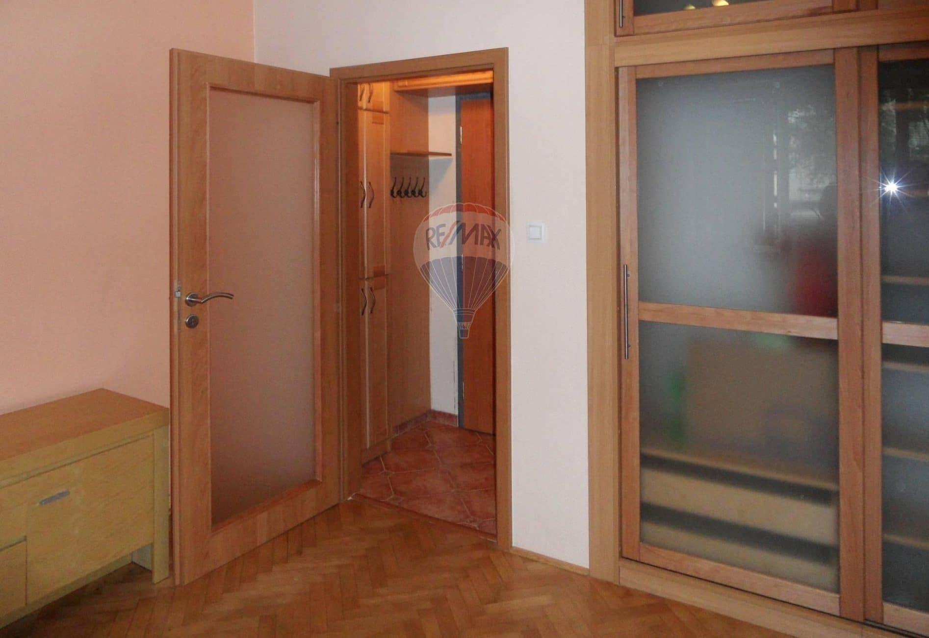 למכירה בפראג 4 דירת 26 מר 1+KK (1)