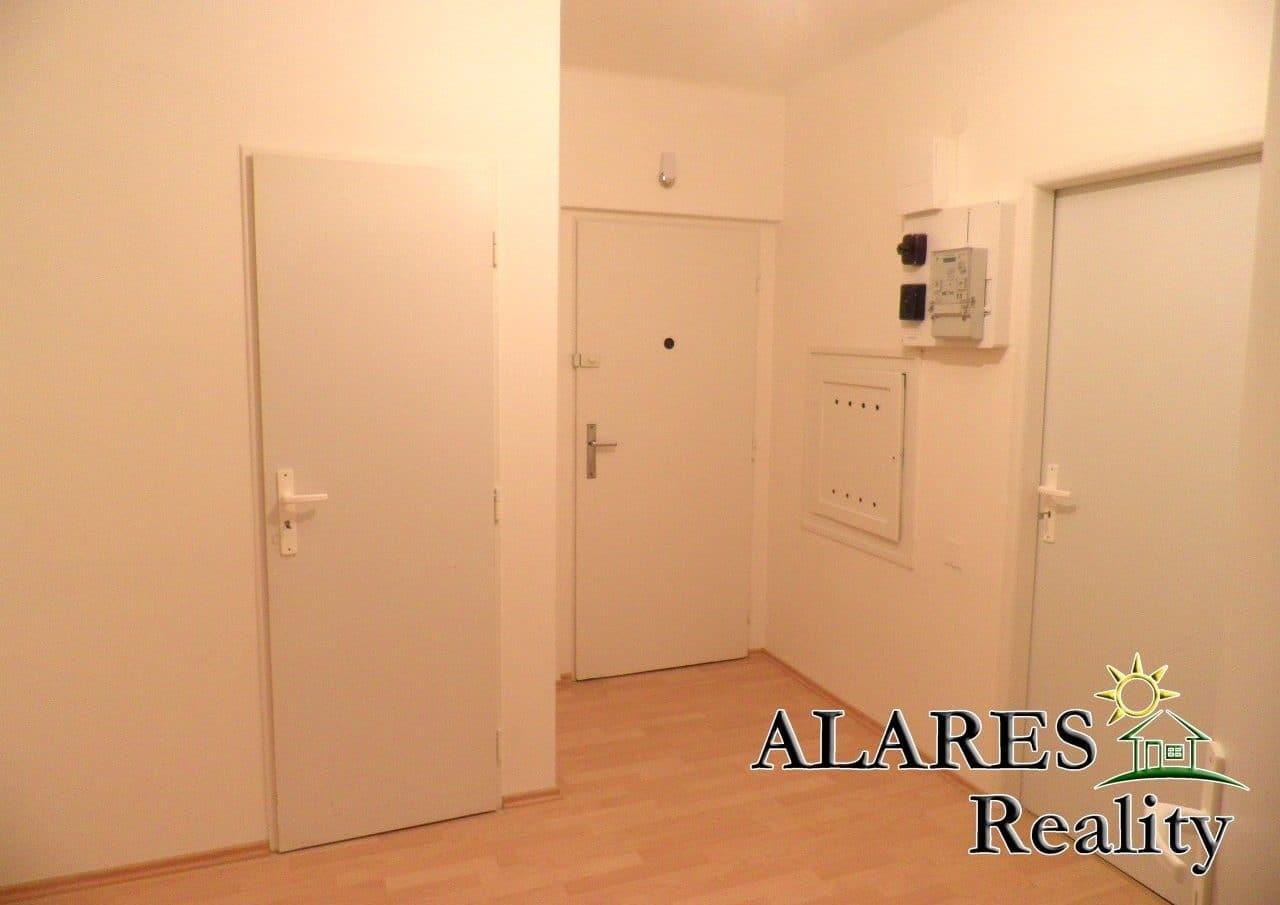 למכירה דירת 2+1 חדרים (2)