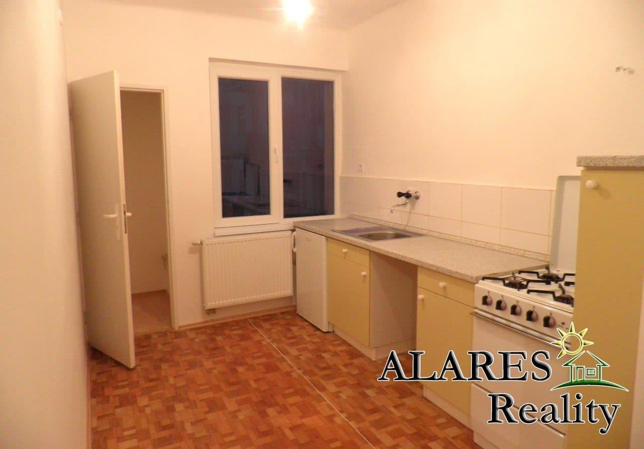 למכירה דירת 2+1 חדרים (4)