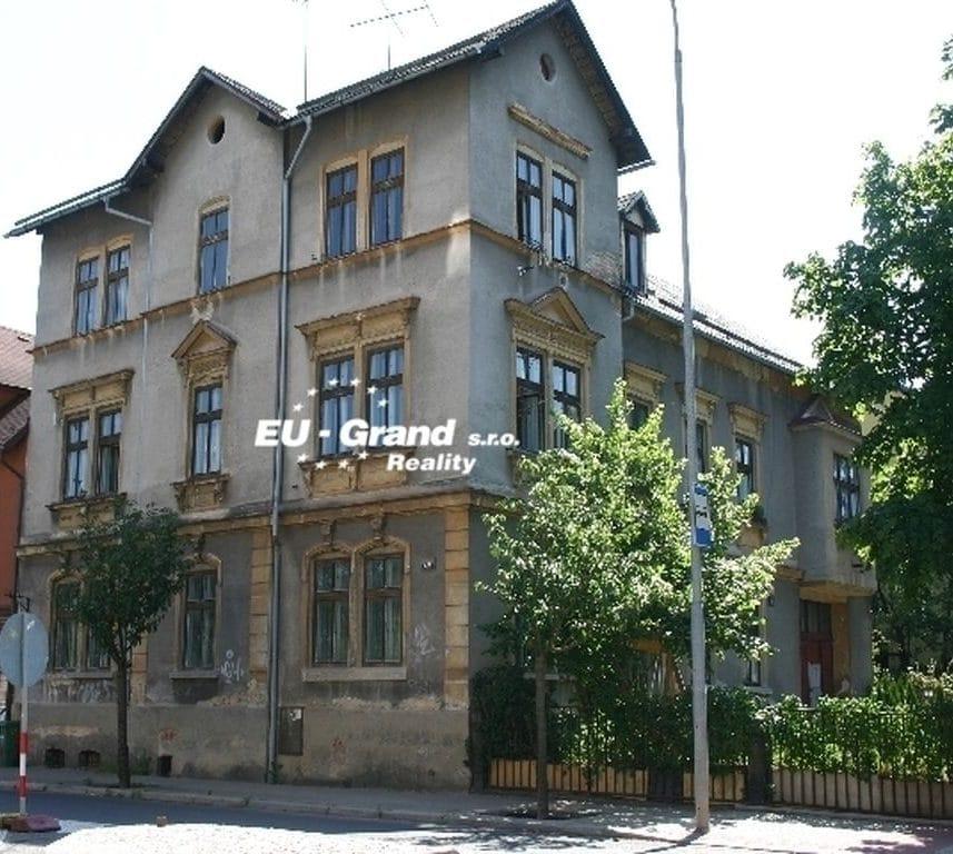 """למכירה בעיר העתיקה של ליברץ – בניין דירות בגודל 820 מ""""ר"""
