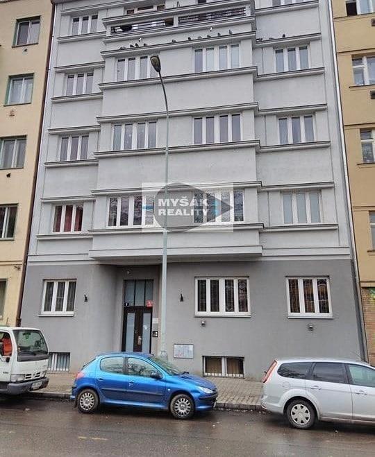 למכירה דירת 2 חדרים בגודל 42 מר בשכונת נוסלה בפראג (11)