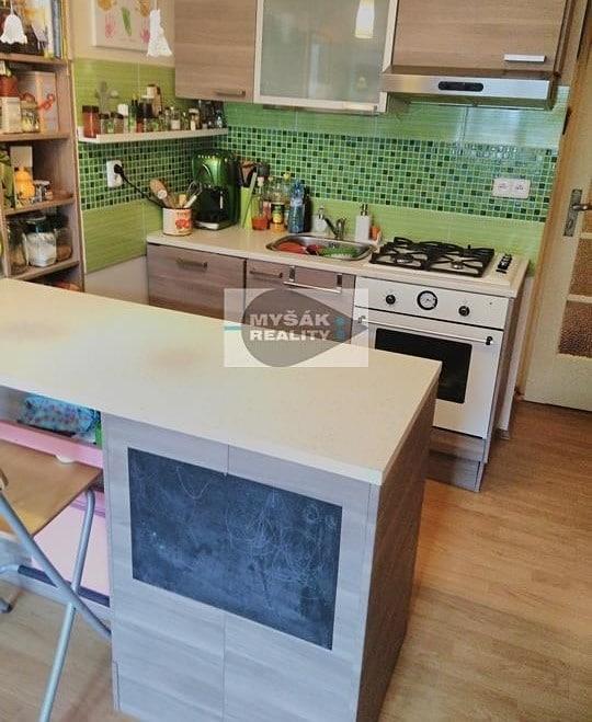 למכירה דירת 2 חדרים בגודל 42 מר בשכונת נוסלה בפראג (12)