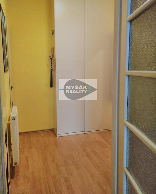למכירה דירת 2 חדרים בגודל 42 מר בשכונת נוסלה בפראג (5)