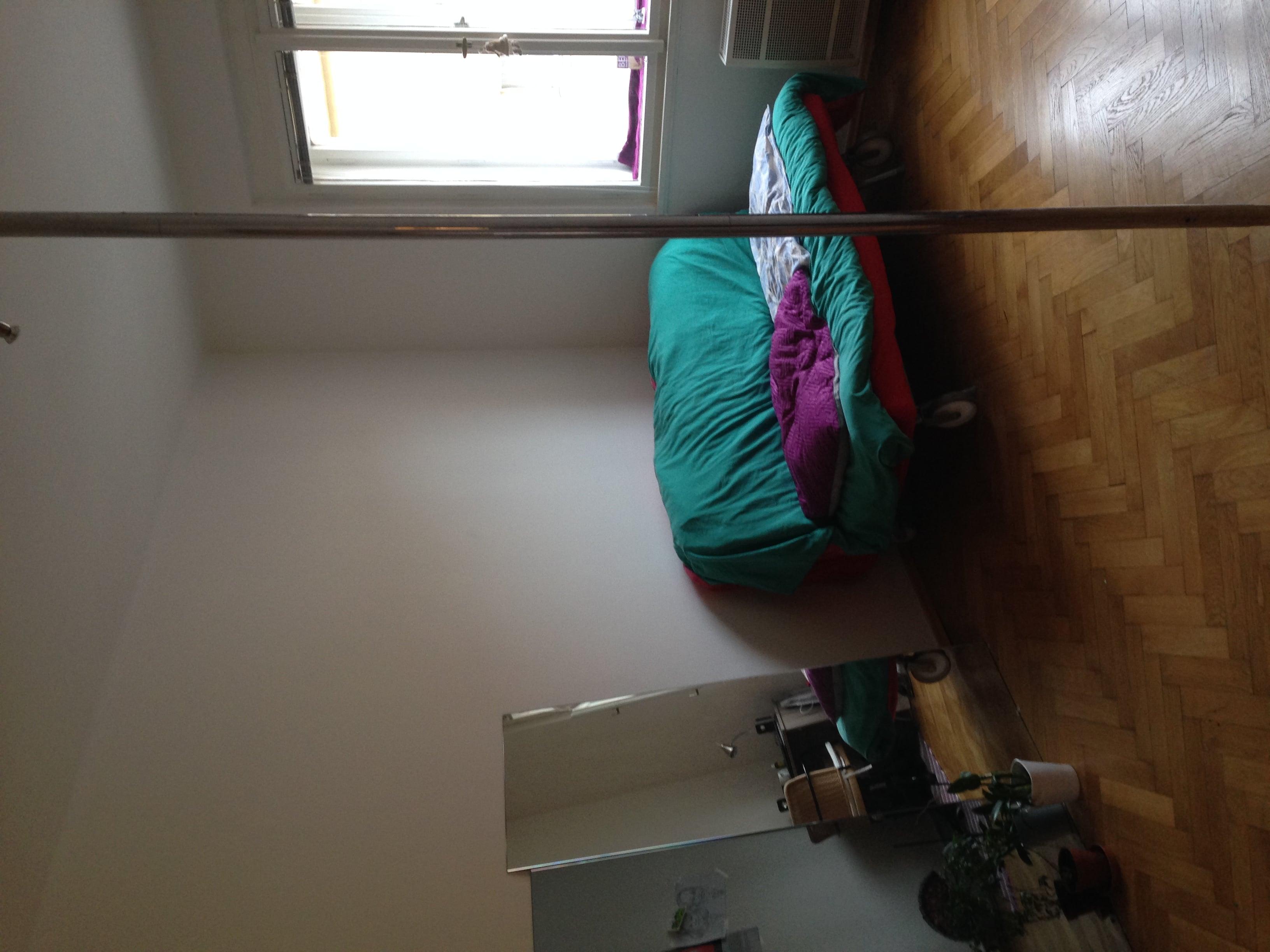 למכירה דירת 2 חדרים בגודל 52 מר בשכונת ז'יז'קוב א (2)