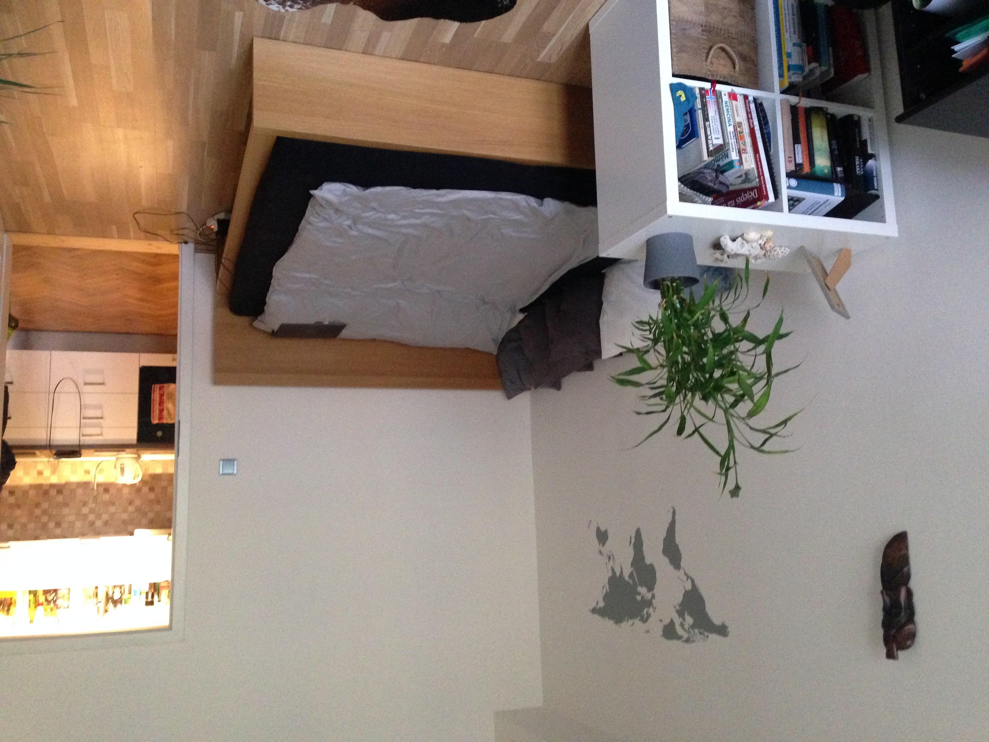 למכירה דירת 2 חדרים בגודל 52 מר בשכונת ז'יז'קוב א (7)
