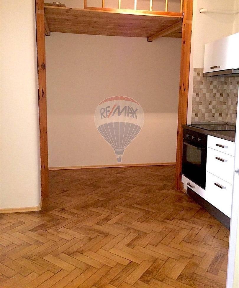 למכירה דירת 2 חדרים בגודל 52 מר בשכונת ז'יז'קוב (1)