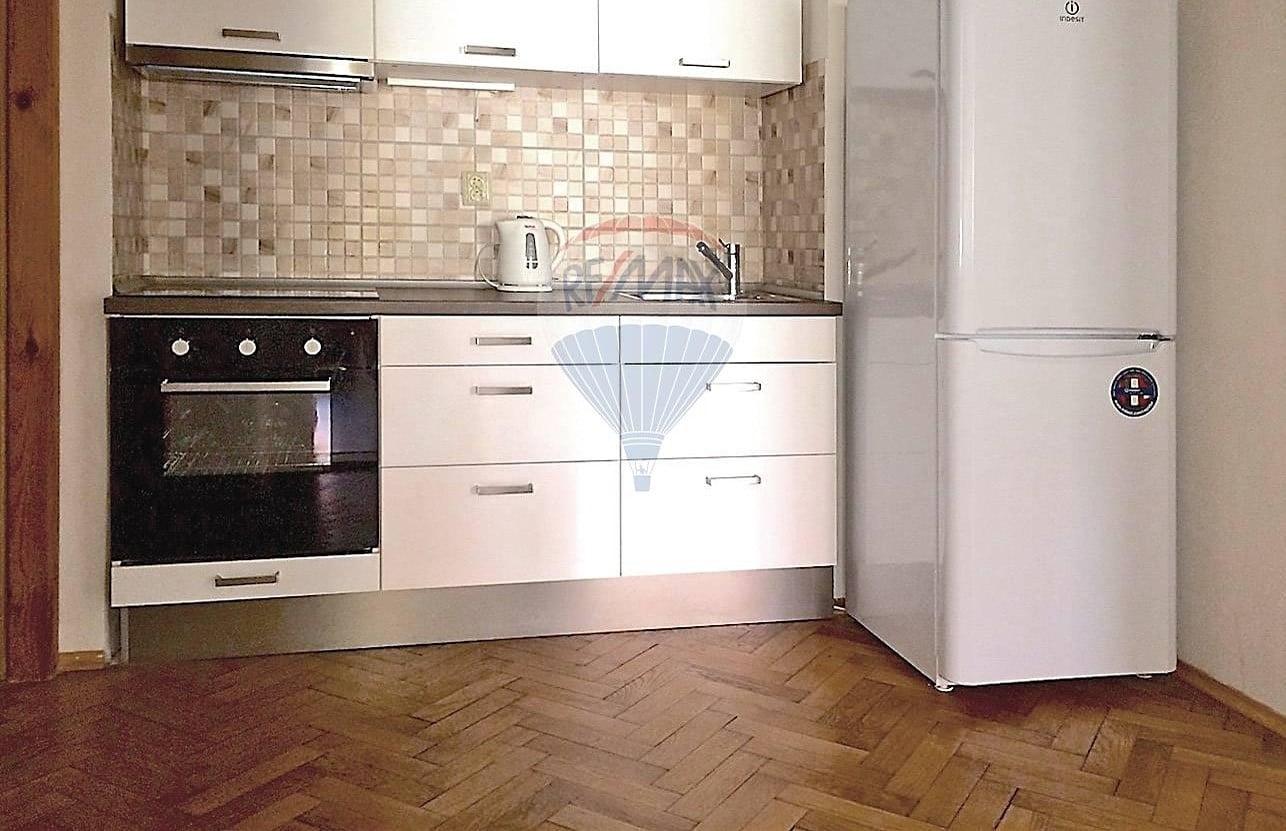 למכירה דירת 2 חדרים בגודל 52 מר בשכונת ז'יז'קוב (2)
