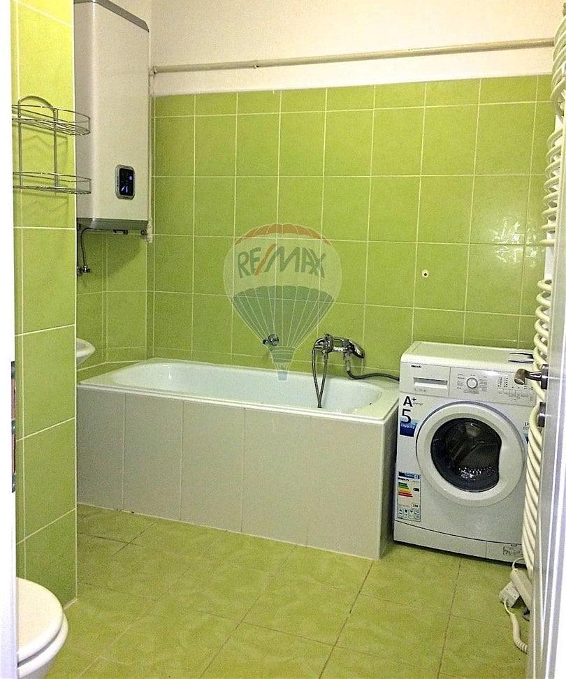למכירה דירת 2 חדרים בגודל 52 מר בשכונת ז'יז'קוב (3)