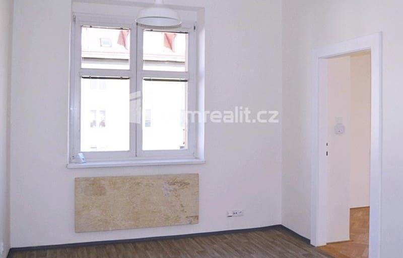 למכירה דירת 2 חדרים בפראג 3 (1)