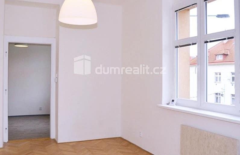 למכירה דירת 2 חדרים בפראג 3 (4)