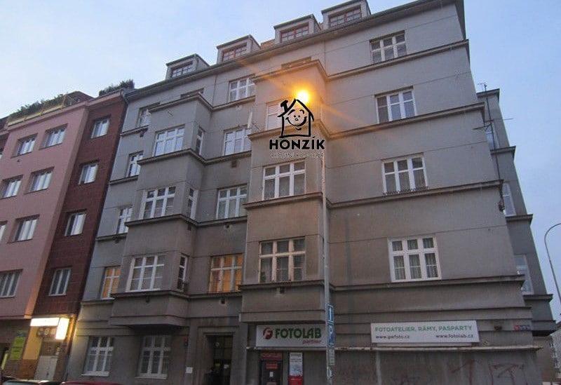 למכירה דירת 2 חדרים יפה ומרווחת בפראג 9 (13)