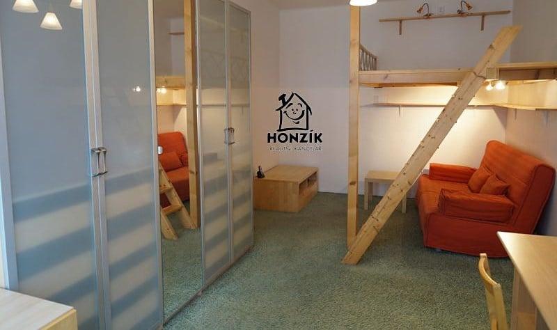 למכירה דירת 2 חדרים יפה ומרווחת בפראג 9 (14)
