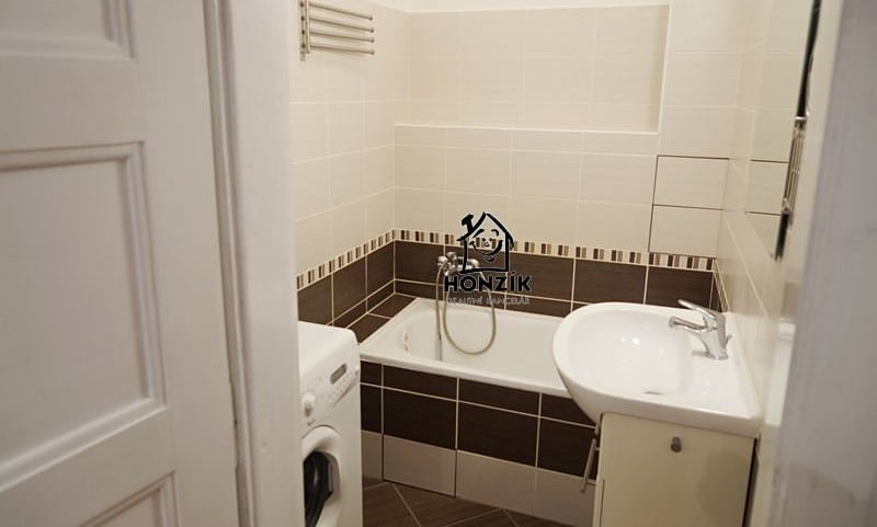 למכירה דירת 2 חדרים יפה ומרווחת בפראג 9 (5)