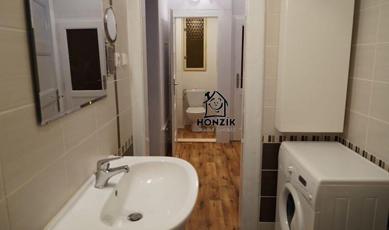 למכירה דירת 2 חדרים יפה ומרווחת בפראג 9 (7)
