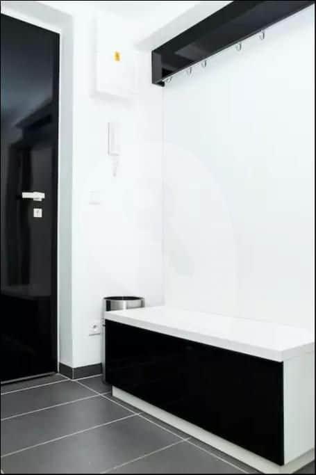 למכירה דירה יפהפיה בשכונת סמיחוב בפראג 5 (1)