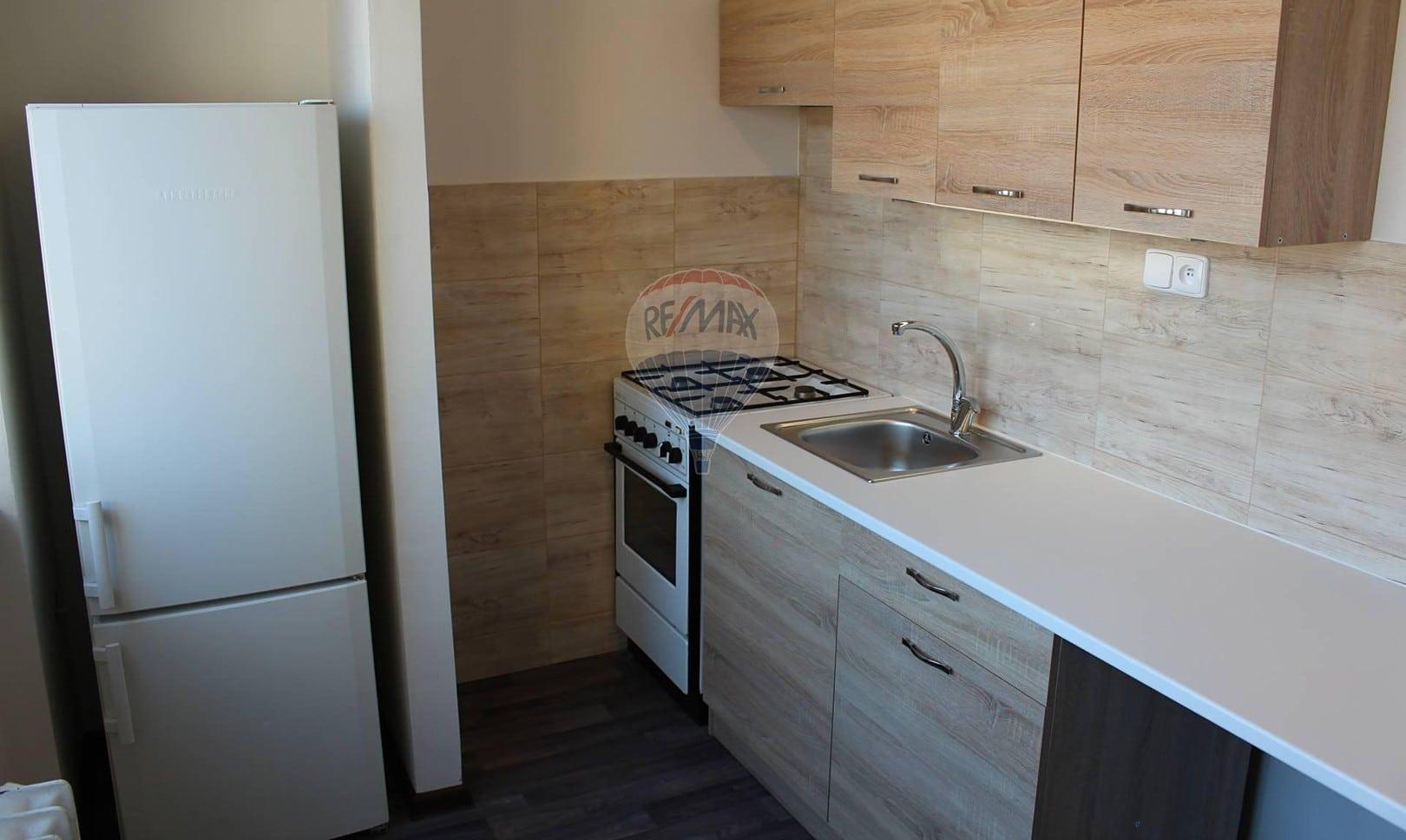 למכירה דירת 2+1 בשטח של 52 מר בפראג 9 (2)
