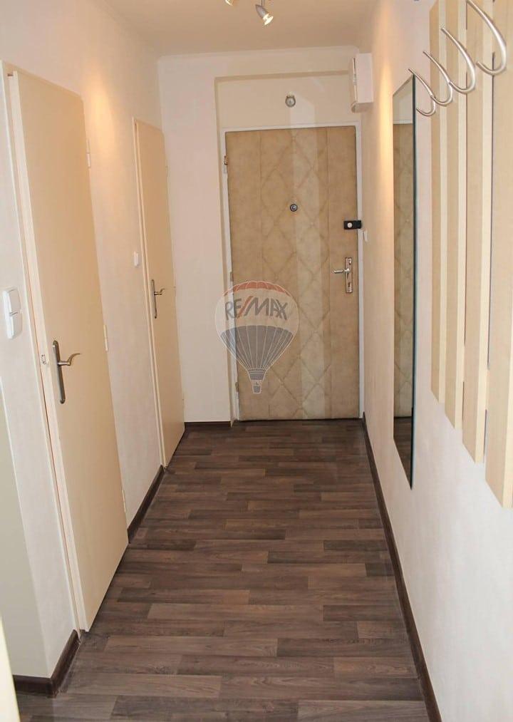 למכירה דירת 2+1 בשטח של 52 מר בפראג 9 (5)