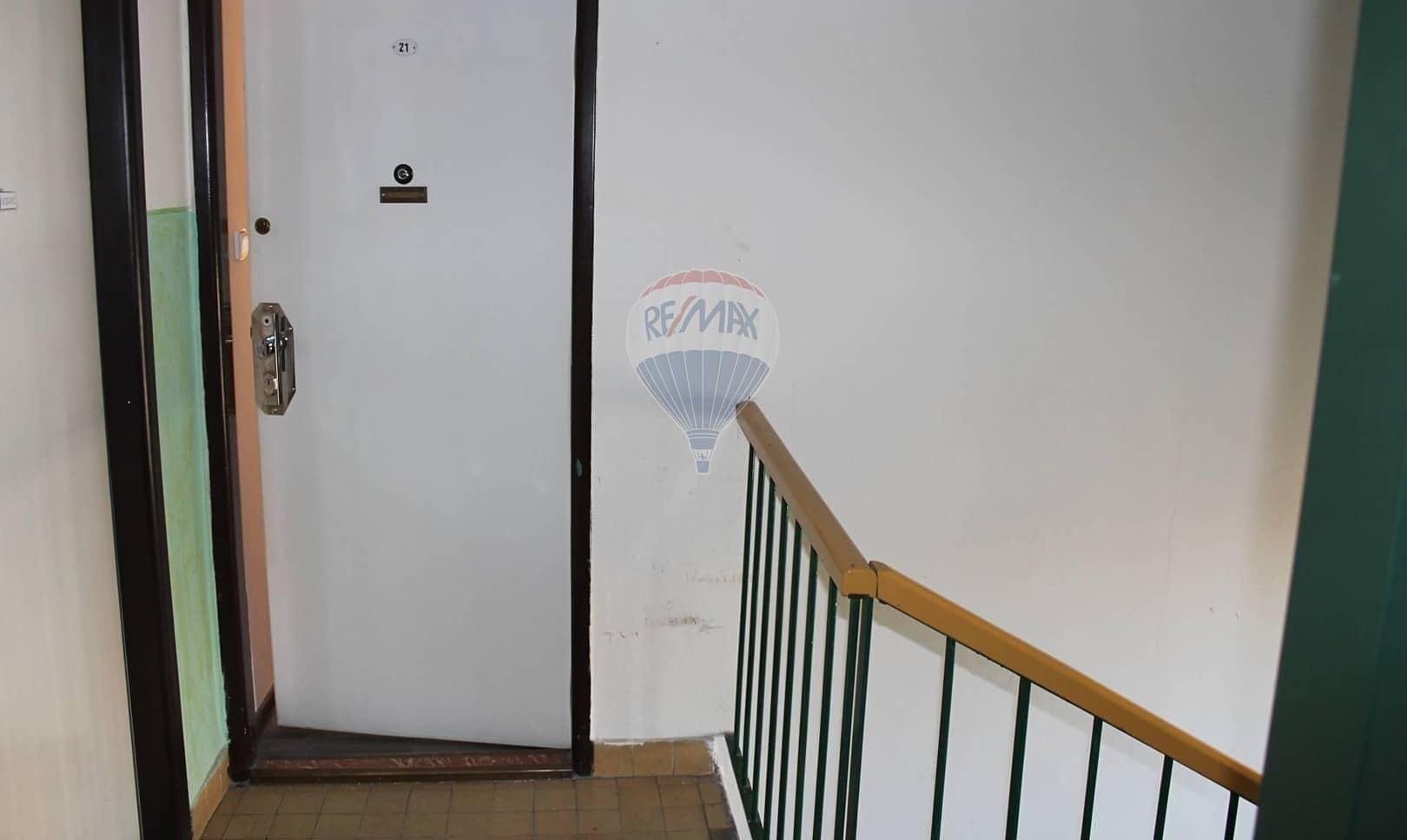 למכירה דירת 2+1 בשטח של 52 מר בפראג 9 (6)