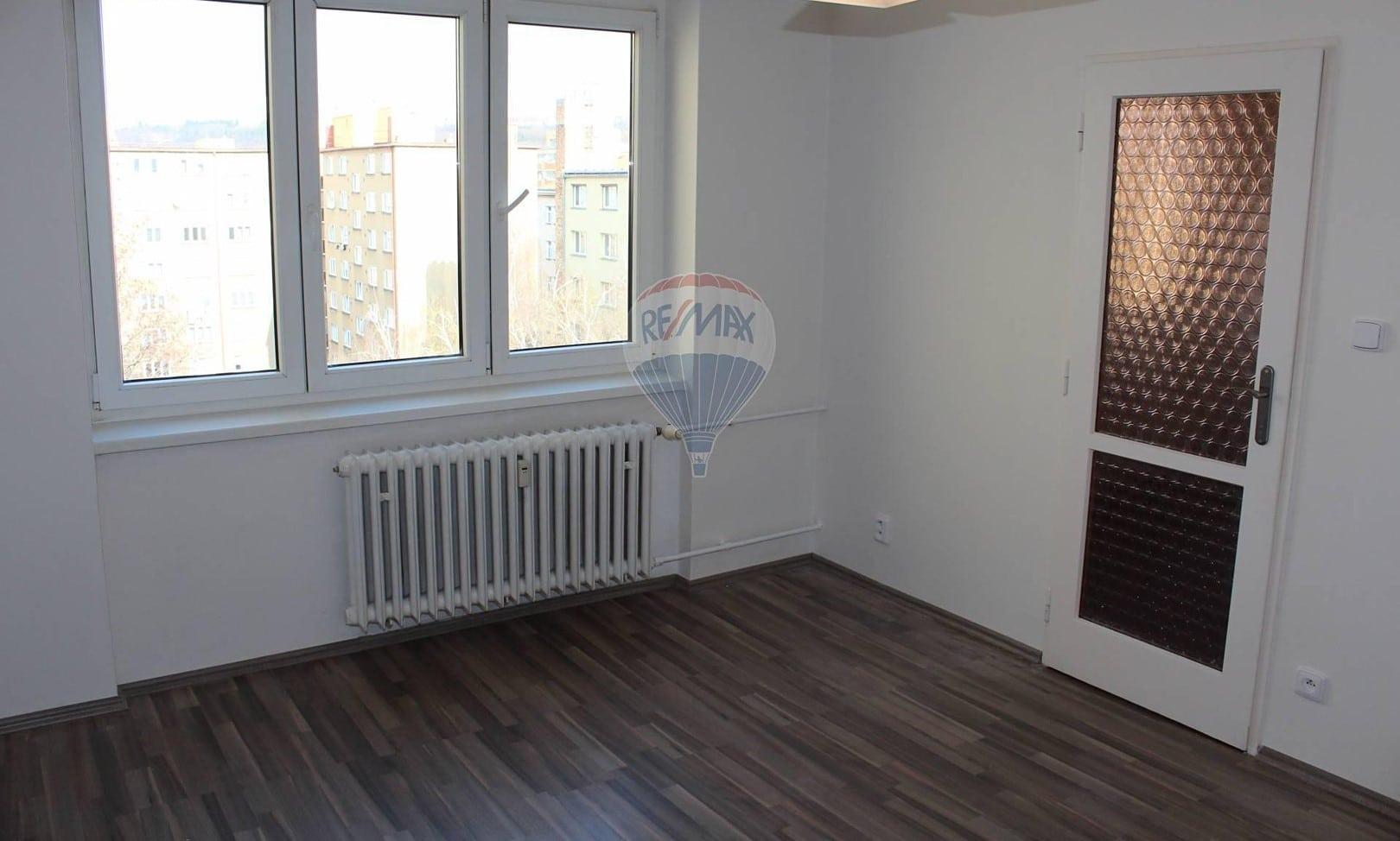 למכירה דירת 2+1 בשטח של 52 מר בפראג 9 (8)