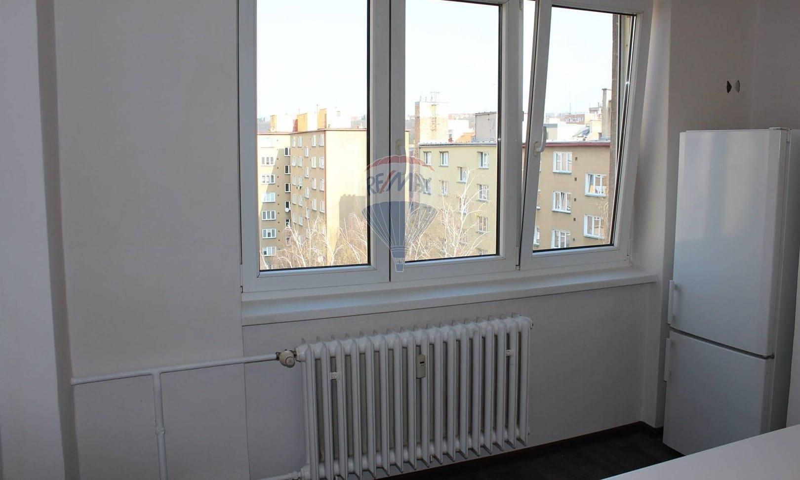 למכירה דירת 2+1 בשטח של 52 מר בפראג 9 (9)