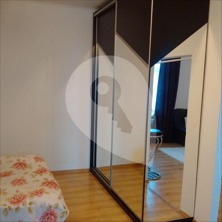 למכירה דירה מרוהטת בפראג 7 שכונת הולשוביצה (4)