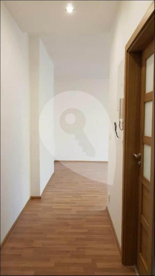 למכירה דירת 1+1 בגודל 41 מר בפראג 6 (14)