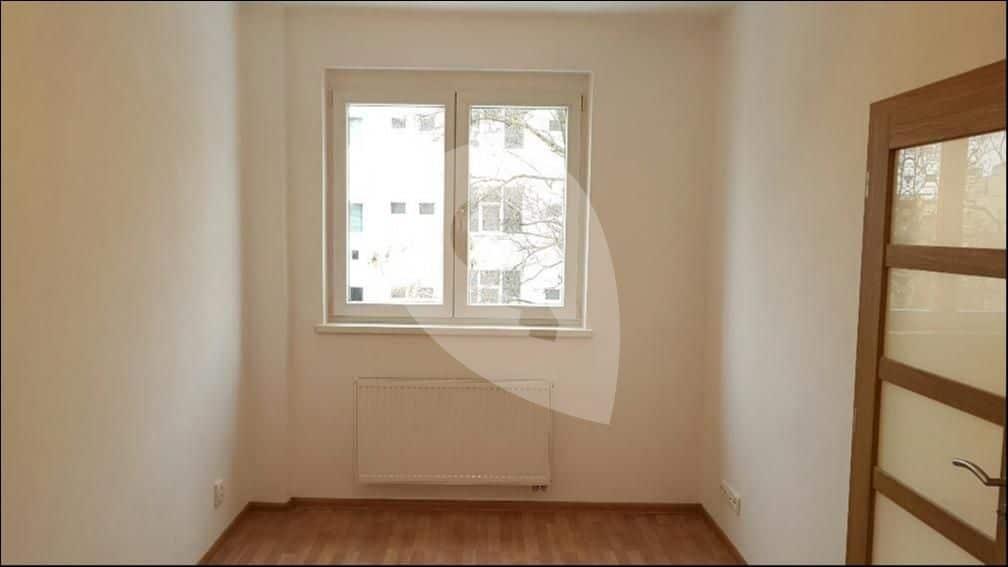 למכירה דירת 1+1 בגודל 41 מר בפראג 6 (3)