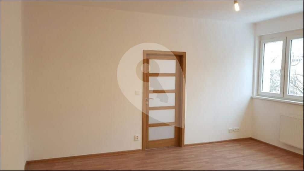 למכירה דירת 1+1 בגודל 41 מר בפראג 6 (4)