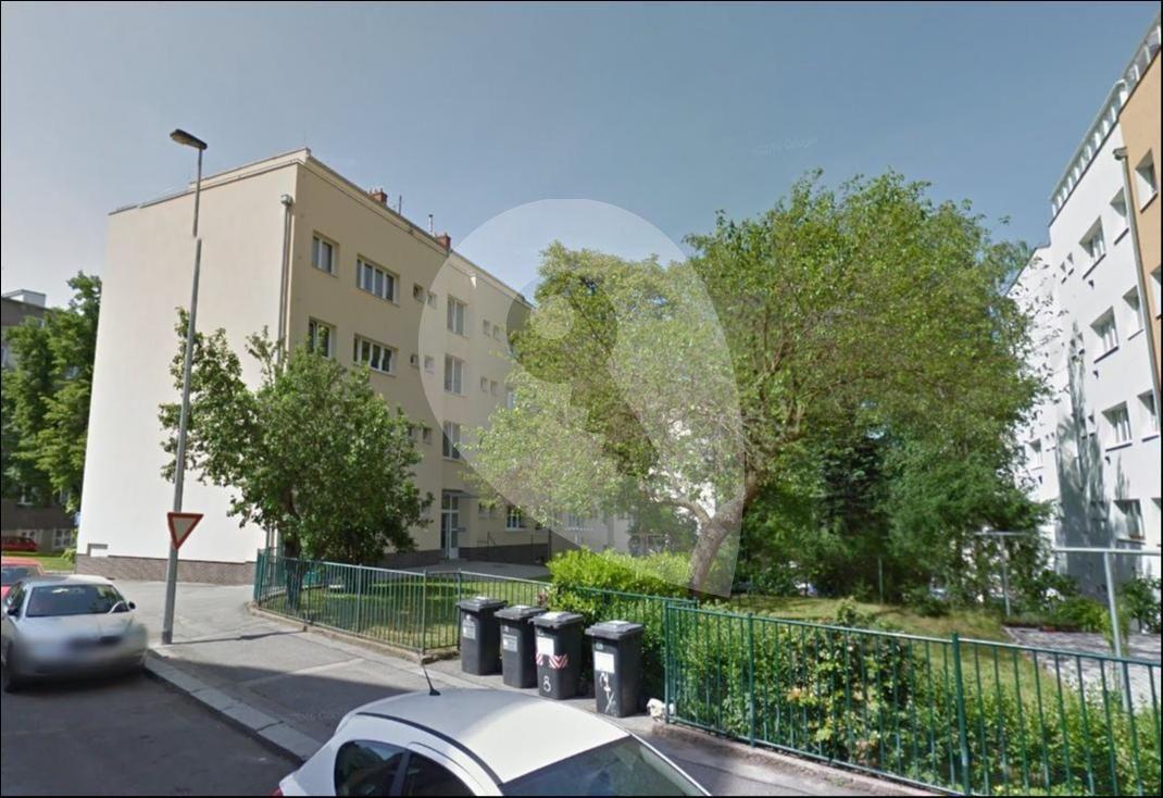 למכירה דירת 1+1 בגודל 41 מר בפראג 6 (8)