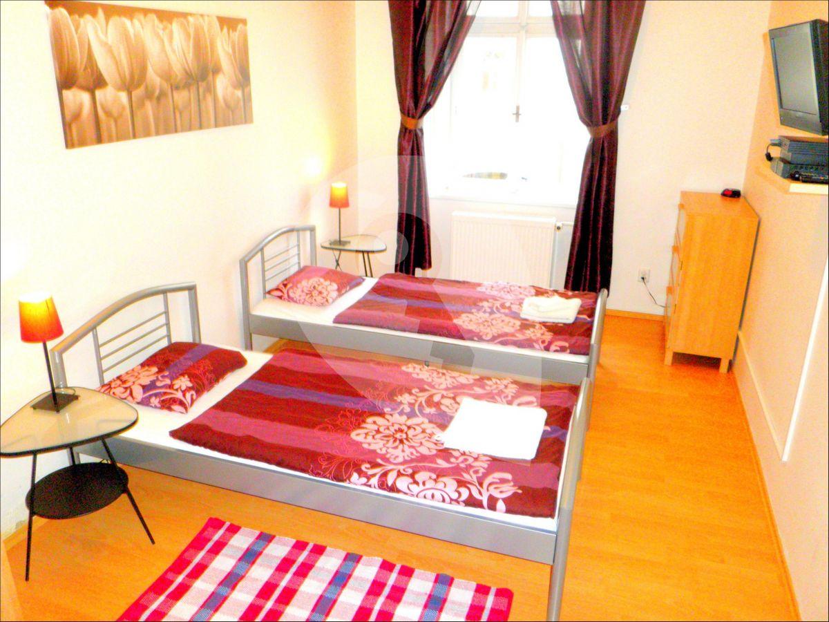 למכירה דירת 2+1 בגודל 45 מר בפראג 3, ז'יזקוב (1)